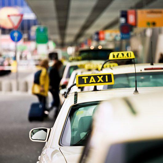 Flughafentransfer mit Taxi Parowicz aus Soest